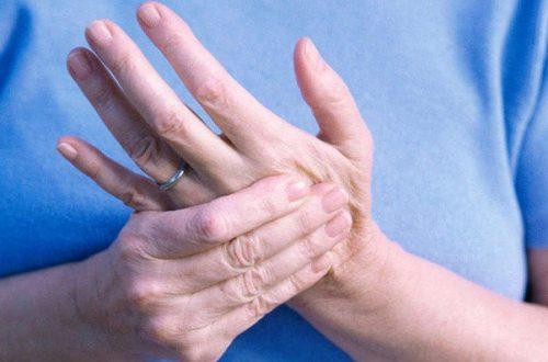 """Tê tay chân: Đừng coi thường kẻo không còn thời gian để… """"ân hận"""""""